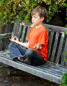 meditation-famille-banc